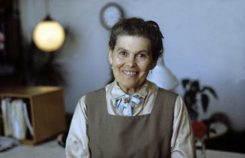 Ray Eames in Eames Office. Photograph by Pat Kirkham, 1983 © Pat Kirkham