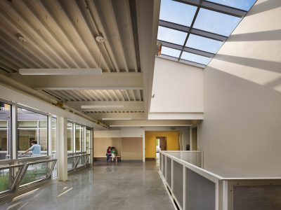 SMP Architects, upper gallery of Germantown Friends School Science Center, Philadelphia, 2009. SMP Architects © Halkin Photography