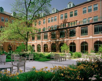 Susan Maxman & Partners, courtyard of Immaculate Heart of Mary Motherhouse, Monroe, Mich., 2003. SMP Architects © Halkin Photography