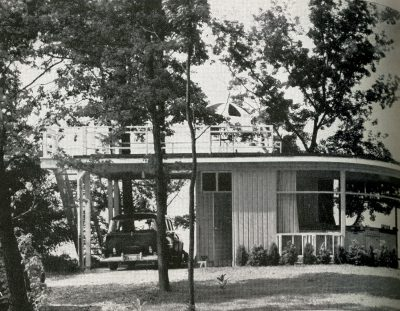 Chloethiel Woodard Smith, Keyes, Smith, Satterlee, and Lethbridge, Week-end House for Colonel and Mrs. Julius Wadsworth, Fairfax, Va., 1952. House and Garden, August 1952