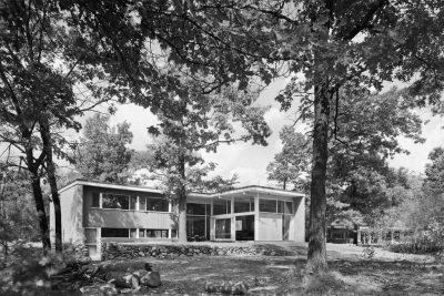 Fletcher House, Six Moon Hill, Lexington, Mass., 1948. Photograph by Ezra Stoller, Esto© Ezra Stoller/Esto
