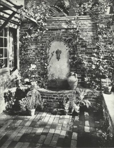 Eleanor Raymond, garden fountain, 112 Charles Street, Boston, 1923. House Beautiful Magazine/Hearst Communications, Inc.