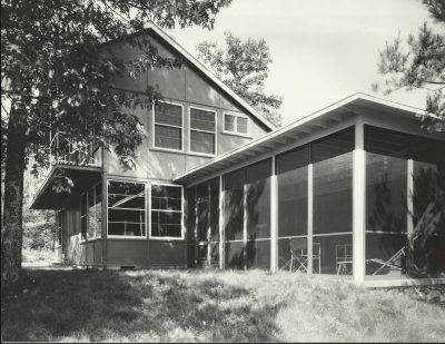 Eleanor Raymond, side elevation, Peabody Plywood House, Dover, Mass., 1940. Harvard University Graduate School of Design, Frances Loeb Library, Special Collections